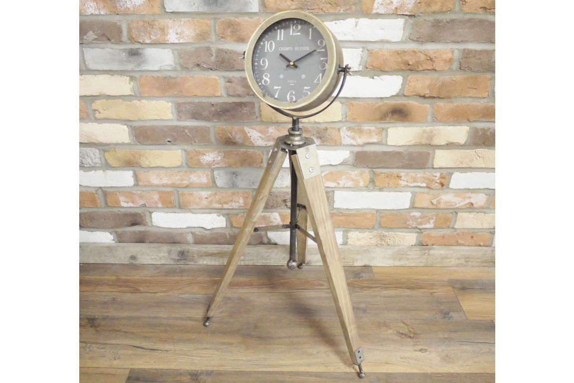 Unique Tripod Clock