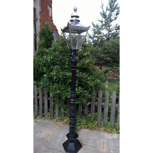 VICTORIAN STYLE LARGE CAST IRON LAMP POST AND STAINLESS STEEL LANTERN (105/3032)